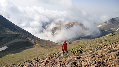 Climbing Mount Aragats – One Day Hiking Tour in Armenia