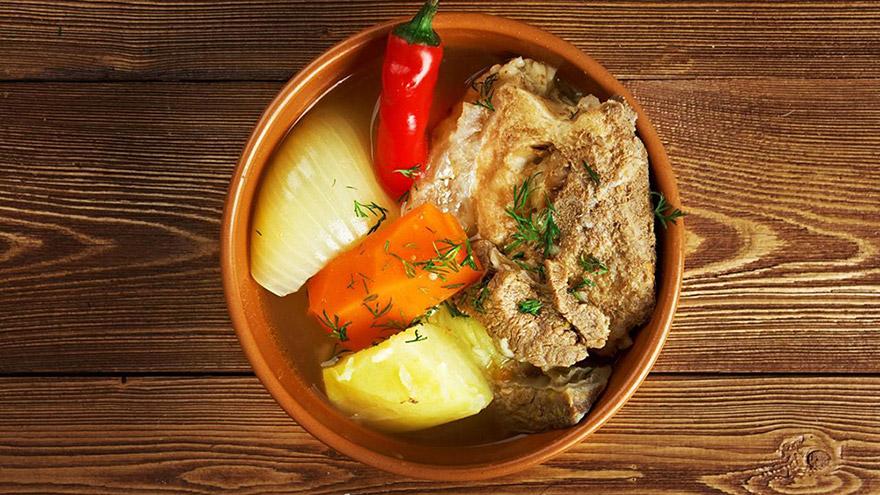 armenian food khashlama dish