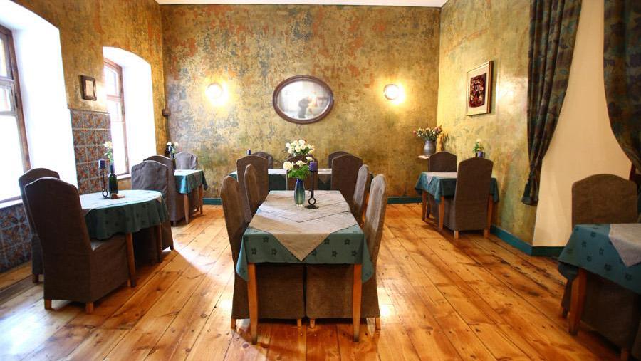 Dolmama Restaurant